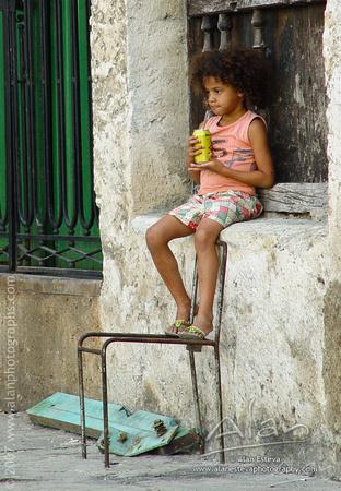 Sitting around (Alan Esteva)